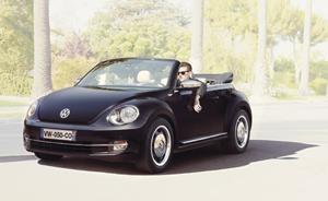 coccinelle cabriolet noire capote beige
